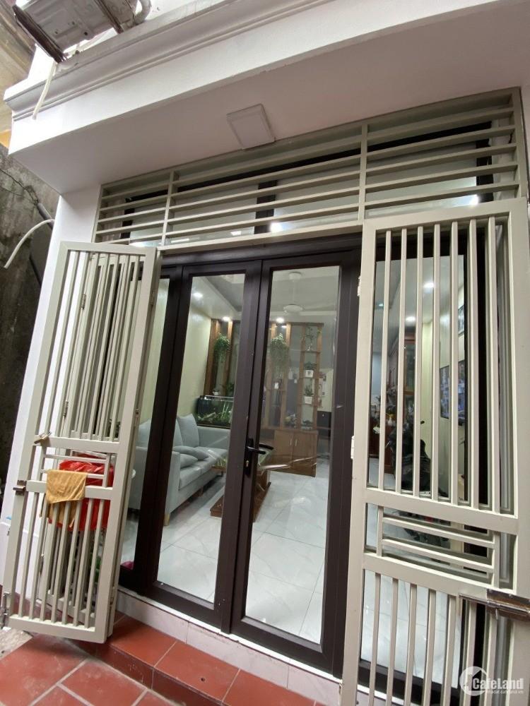 Nhà Xuân Phương 5 Tầng ngõ rộng tặng nội thất sẵn cần bán giá rẻ