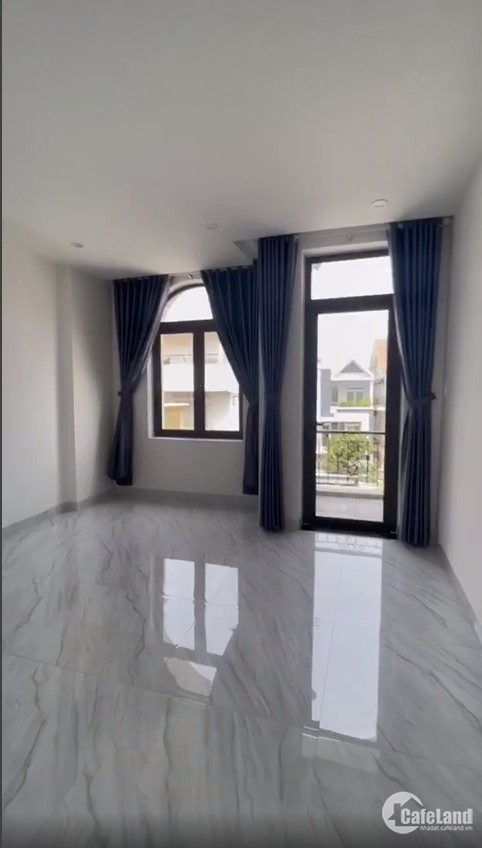 Bán nhà ĐẸP mặt tiền 113m2, trung tâm TP Vũng Tàu, gần biển, giá tốt