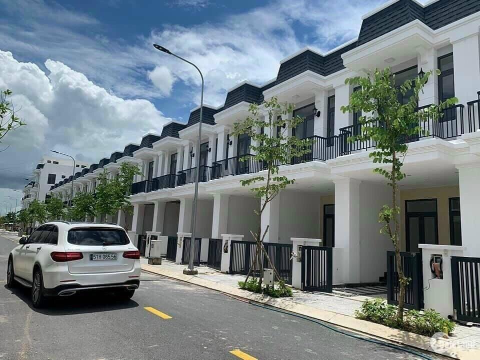 Nhà mới xây 66 m2, giá 369 triệu trả góp ở Đức Hòa, Long An