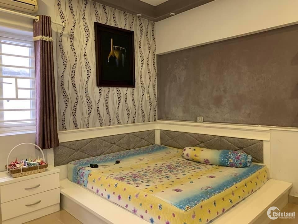 Bán nhà Đoàn Thị Điểm Quận Phú Nhuận 4 tầng 16m2 giá chỉ 3.8 tỉ