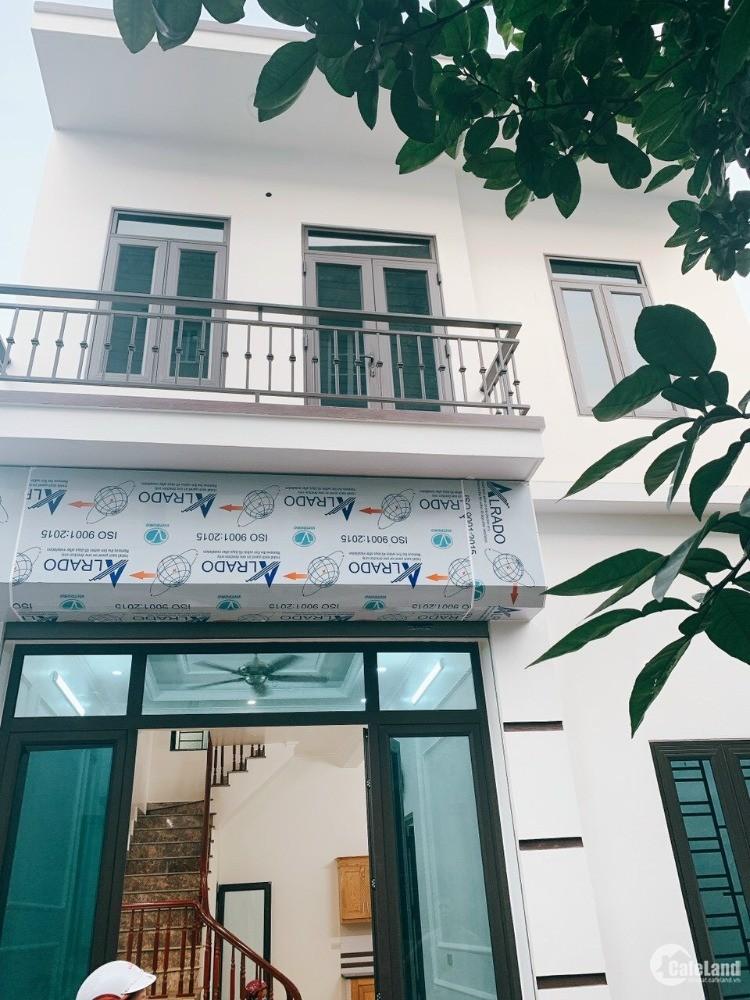 Bán nhà ngõ phố Đinh Văn Tả, TP HD, 50.4m2, mt 5.8m, 2 tầng, 3 ngủ, chỉ 1 tỷ 350