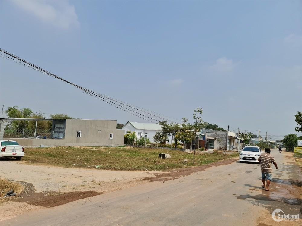 Bán đất thổ cư KDC đông đúc gần ngã 3 Đức Hòa giá 650 triệu