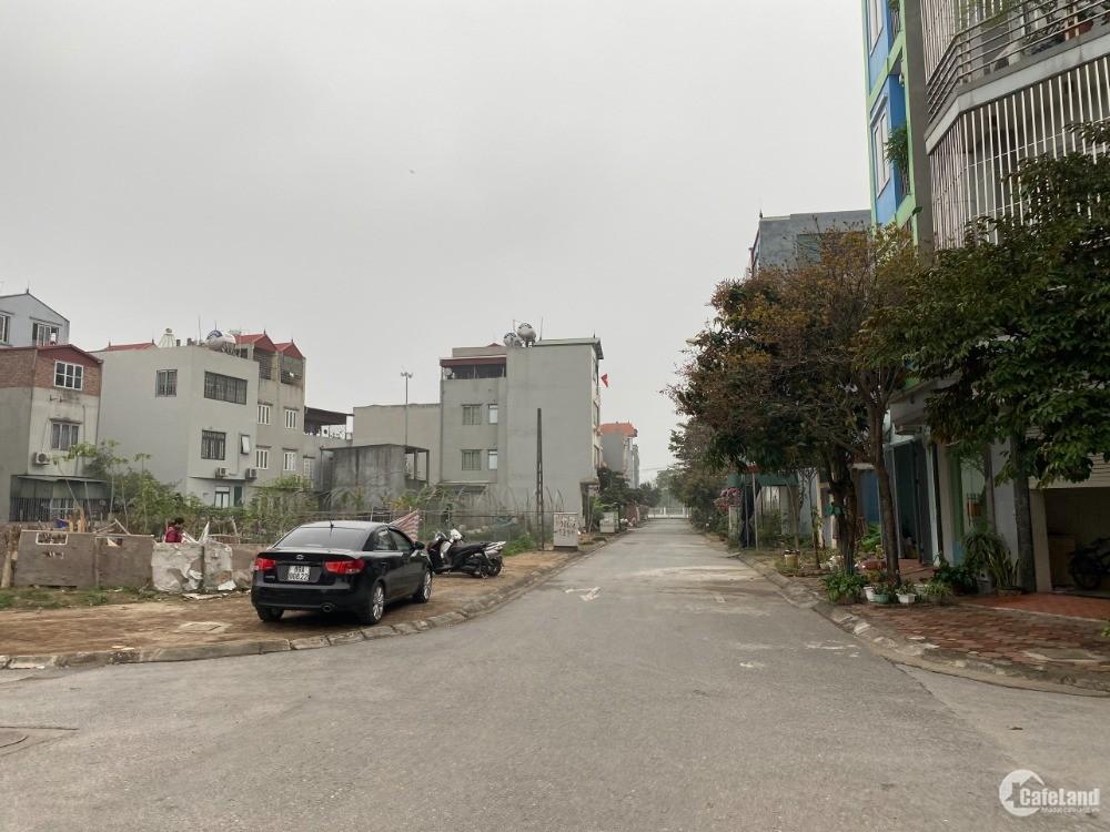 Thiện chí bán gấp 62,7m đất mặt phố Xuân Đỗ, kinh doanh tốt, ô tô đỗ cửa
