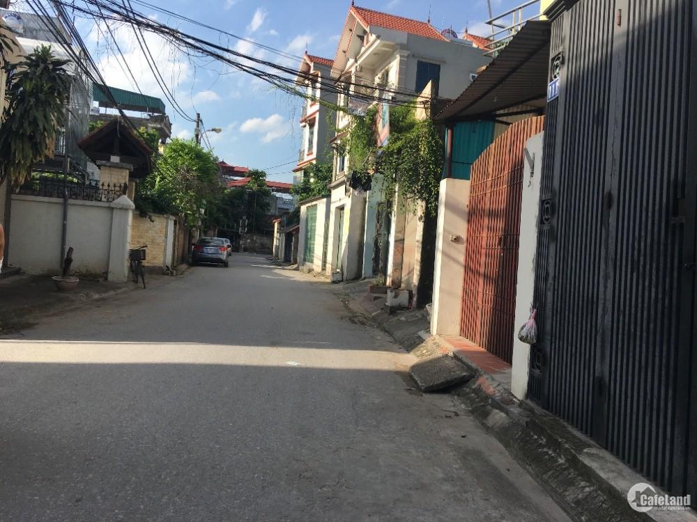 Cần bán rất gấp mảnh đất 40,2m ngõ 33 Giang Biên, cứu gấp