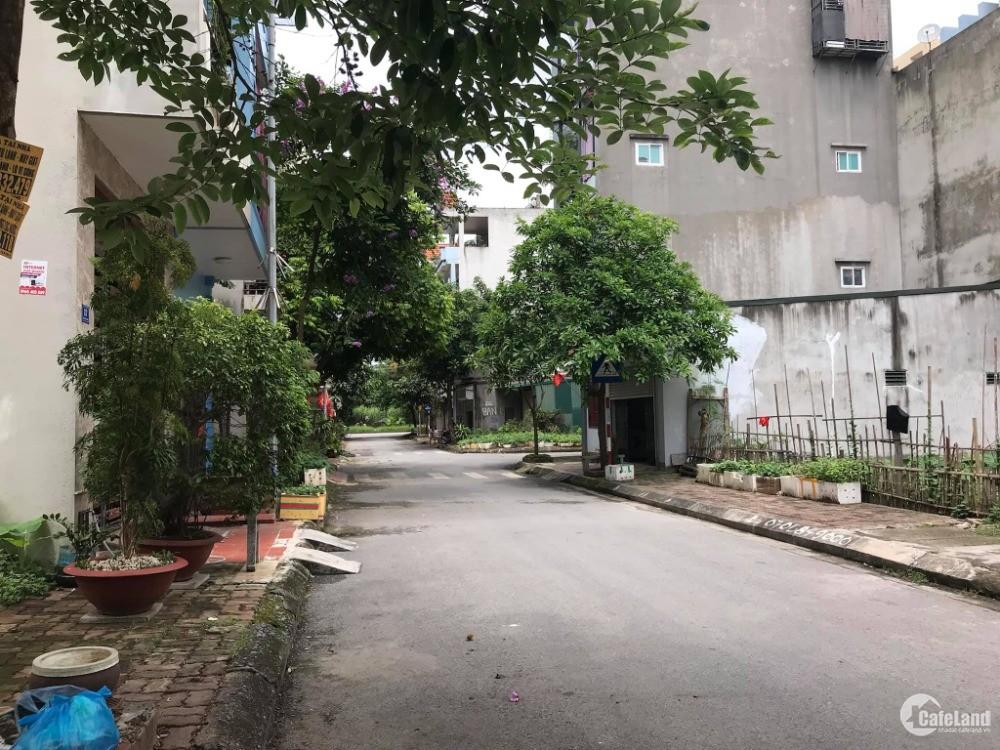 Bán đất mặt phố Trần Khát Chân, ph Thanh Bình, TP HD, 72m2, mt 4m, đường rộng, g