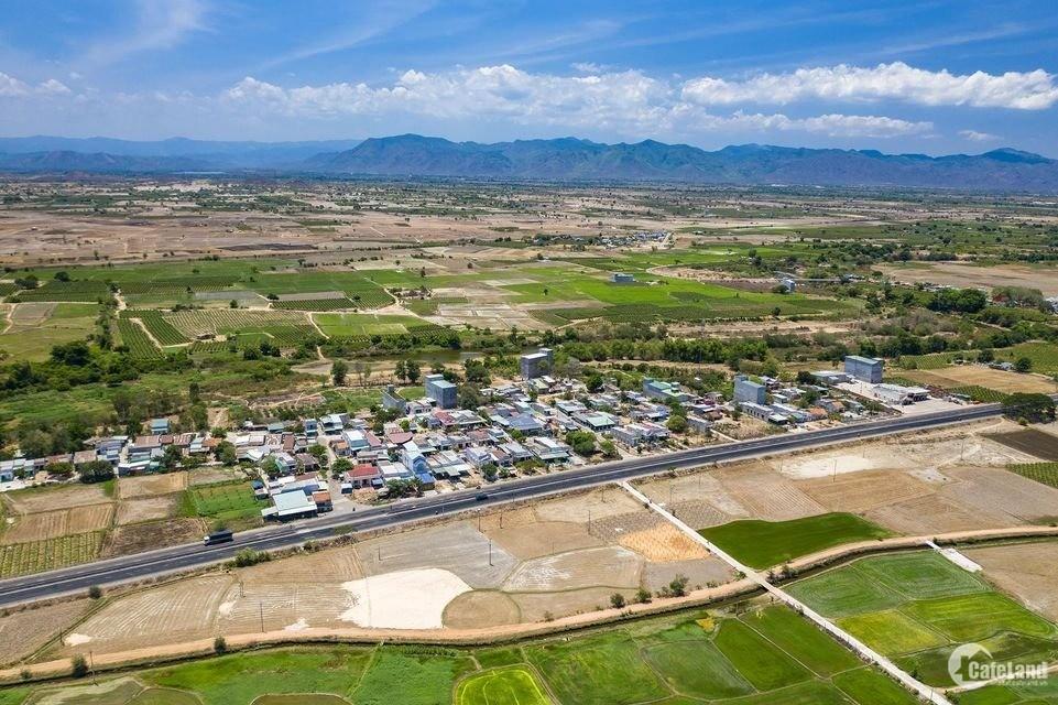 Cần bán lô đất vườn sổ đỏ sẵn, gần quốc lộ, có đường, gần kênh nước chỉ 671tr