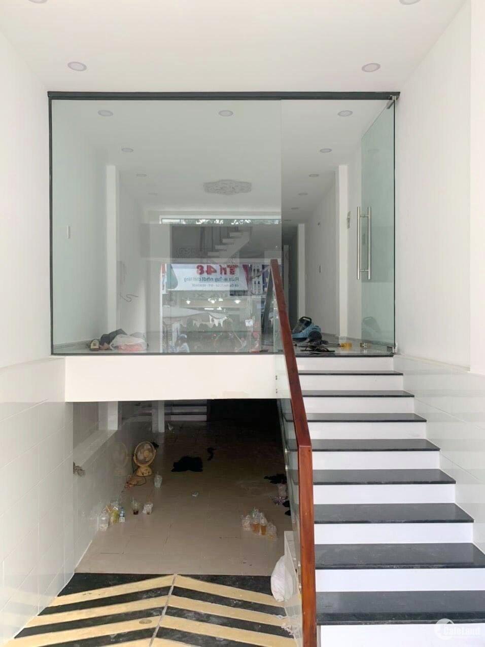 Nhà (3.5 x 21m, nở hậu) khu vực VIP mặt tiền Dạ Nam P2Q8