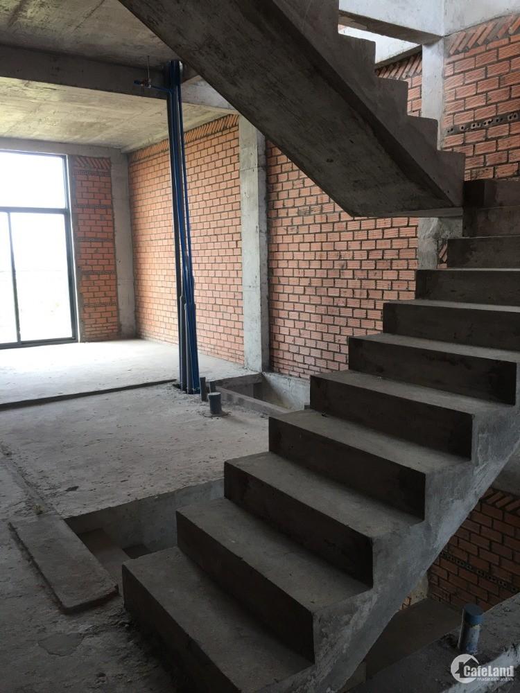 Cho thuê nguyên căn Shophouse 4 lầu bên khu Quận 9 mặt tiền Lê Văn Việt