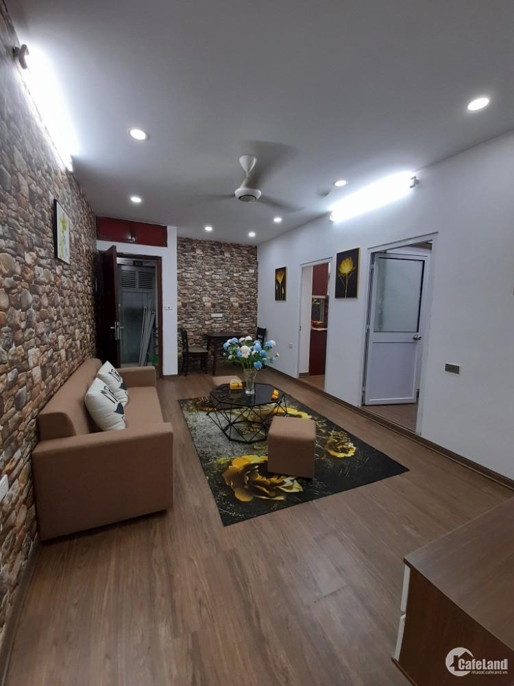 Nhà tập thể tầng 3 gần ĐH Ngoại Thương, phố Chùa Láng, Láng Thượng