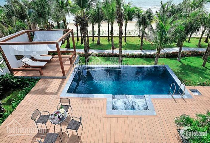 Bán Villa biển hồ bơi + sân vườn riêng, sát biển. 480m2 - 17 tỷ, ck 1.9 tỷ