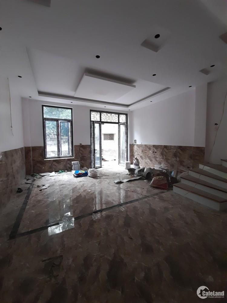 Bán nhà 5 Tầng xây Mới, phố Tôn Thất Tùng, ô tô đỗ cửa 6.5 tỷ