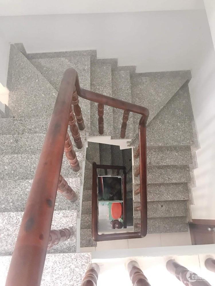 Bán nhà Nguyễn Trọng Tuyển Quận Phú Nhuận 76m2, 3 tầng giá chỉ 7.55 tỉ