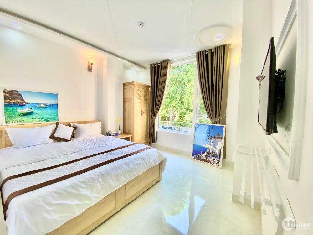 Bán gấp khách sạn 35 phòng cách biển Bãi Sau 100m, Phường 2.