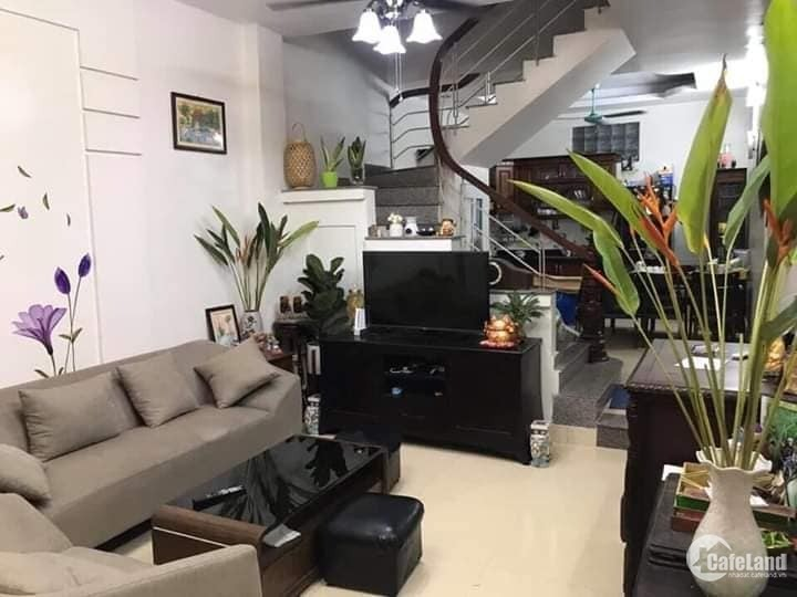 Bán nhà riêng phố Ngọc Hà, Ba Đình 33m2x5T, nhà đẹp ở ngay, SĐCC. Nhỉnh 3 Tỷ