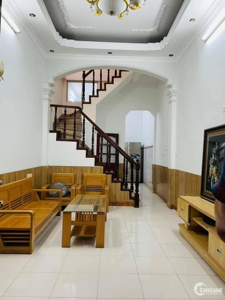 Bán nhà Trần Bình, Cầu Giấy Oto đỗ, lô góc, văn phòng 42m2 giá tốt 7.3 tỷ.