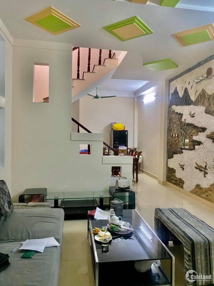 Nhà đẹp Dương Khuê, ô tô đô cửa, nhà lô góc 3 mặt thoáng 42m2 giá 7.25 tỷ