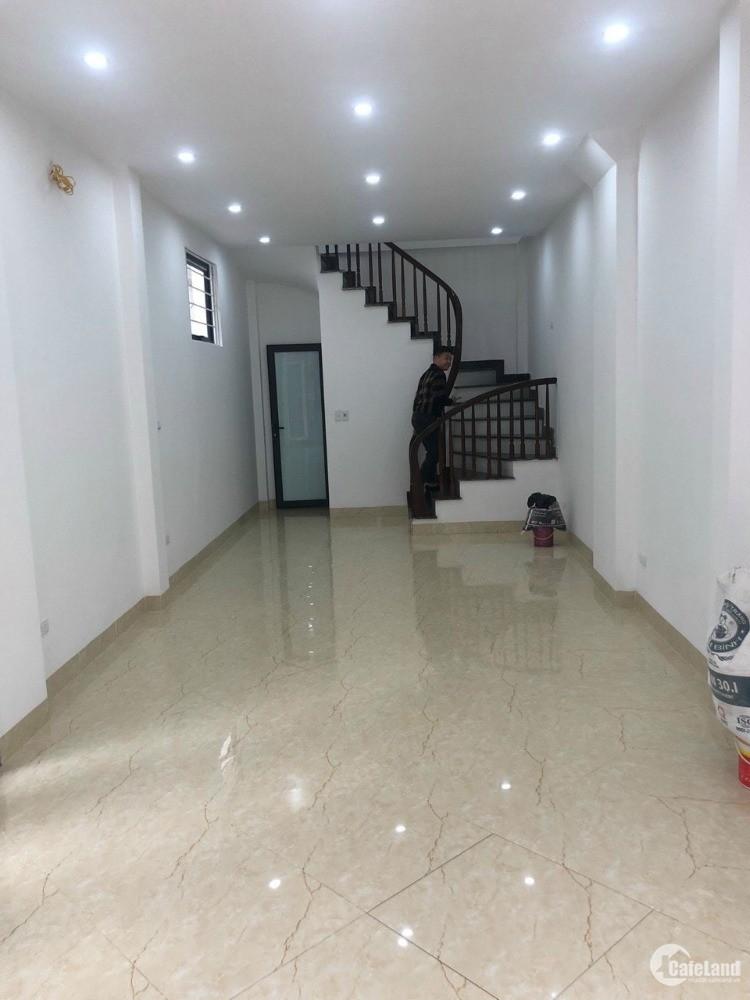 Bán nhà ngõ Thông Võng Thị ,Tây Hồ 32m2*giá 3,95 Tỷ.