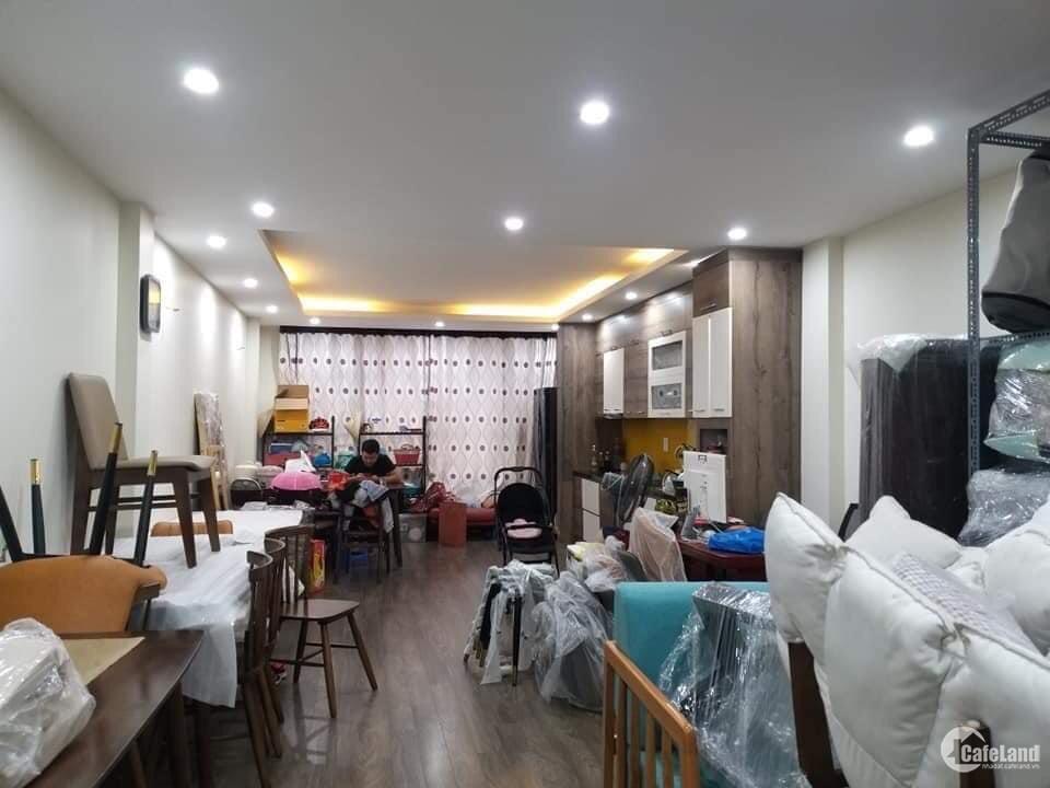 Nhà đẹp ngõ 14 phố Vũ Hữu, Kinh doanh sầm uất ô tô tránh - Nhỉnh 9 tỷ