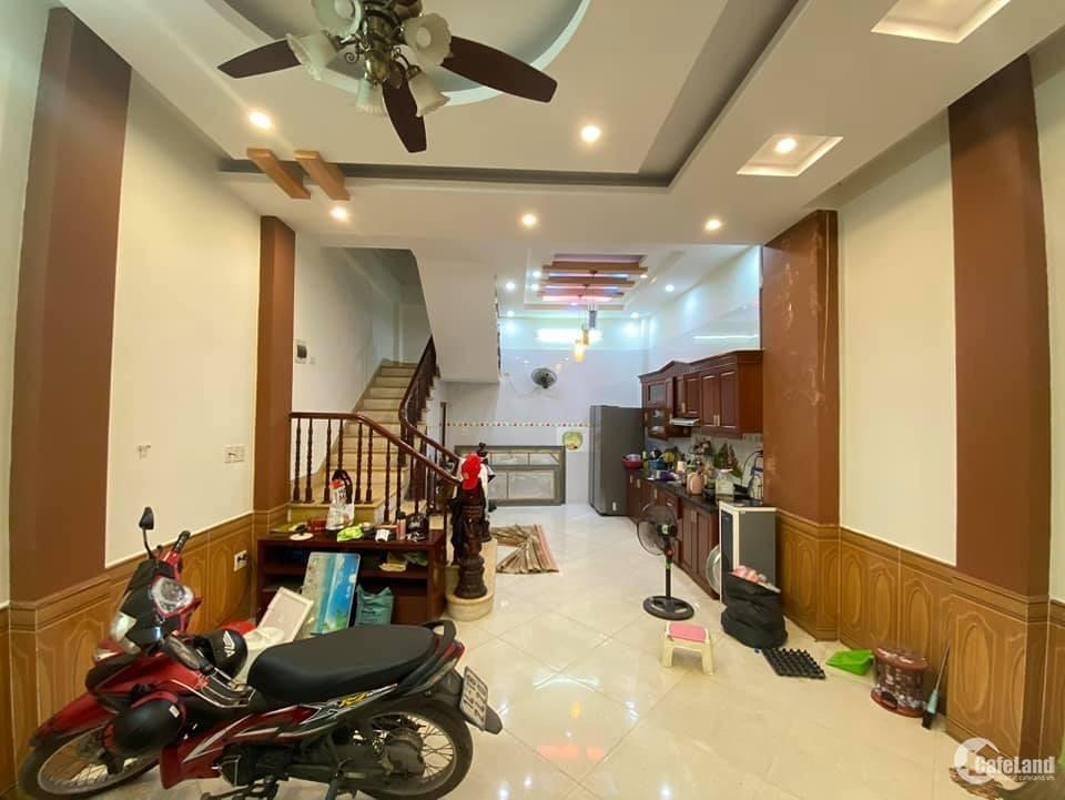 Bán nhà Nguyễn Hoàng, Nam Từ Liêm kinh doanh, Oto đỗ, lô góc 45m2 giá 7.3 tỷ