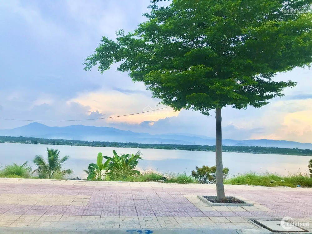 Bán đất Tái Định Cư K8 Đầm Thủy Triều ,Cam Lâm giá siêu rẻ.LH: 0909277255