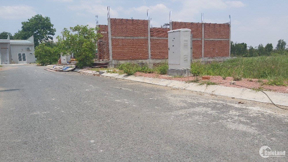 Bán Đất Đô Thị Rạch Kiến 85m2 giá 1.25 tỷ, SHR Đối Diện Trường Học Long Hòa