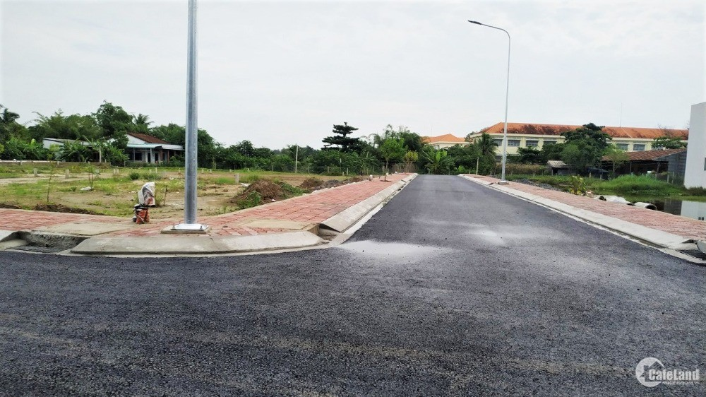 Bán đất gần UBND xã Long Hòa 81m2 giá 1,28 Tỷ SHR LH Dũng 0918.040.567