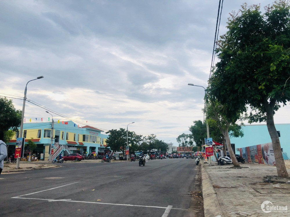 Lô đường 27m đối diện chợ trung tâm Điện Nam Điện Ngọc, giá 2.x tỷ