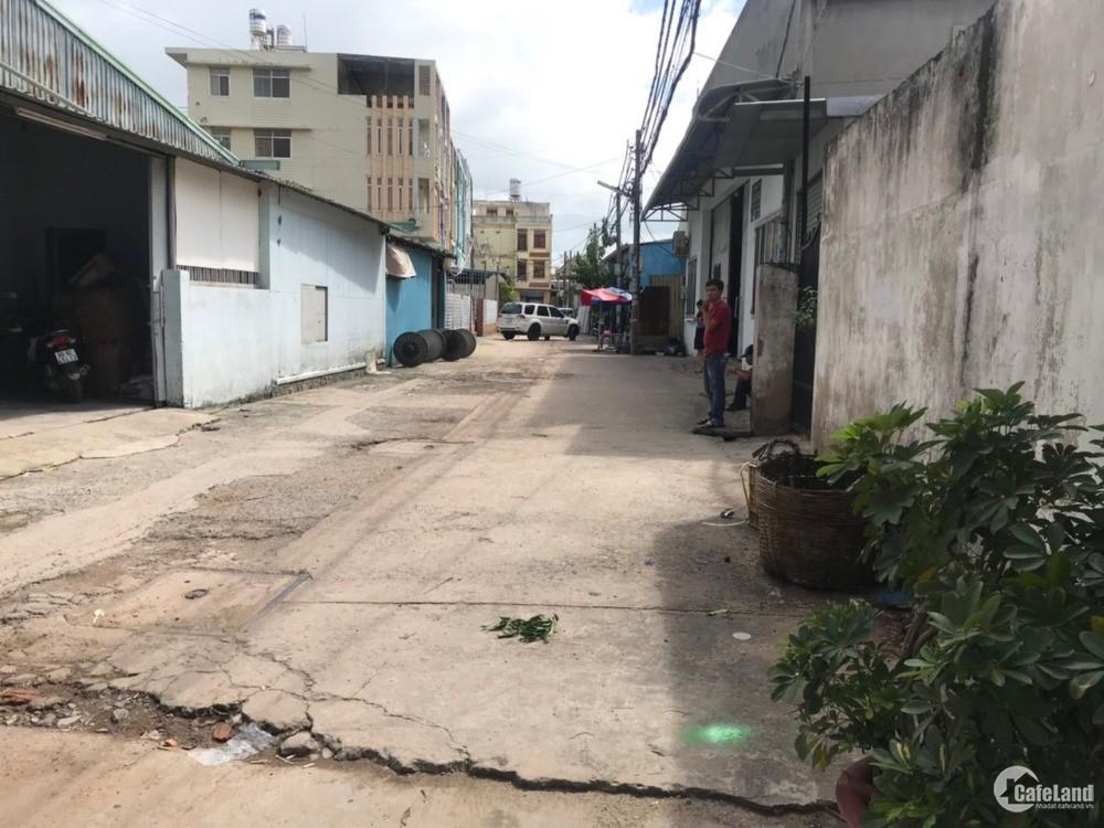 Bán đất xã Trung chánh, Hóc Môn. cách QL22 90m. Hẻm 10m ngang 16m LH 0907016378