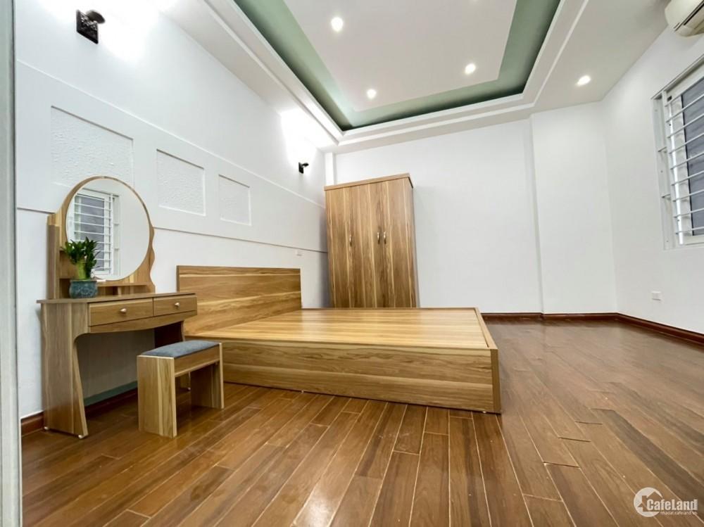 Cần bán nhà gấp, DT 32m, 5T, Mt 6m, giá chỉ 2.85 tỷ, Xuân Đỉnh, Từ Liêm.