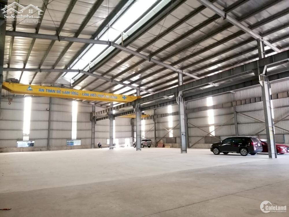Cho thuê kho Nguyễn Hoàng, Mỹ Đình DT 700m2, MT 20m xe container vào được kho.