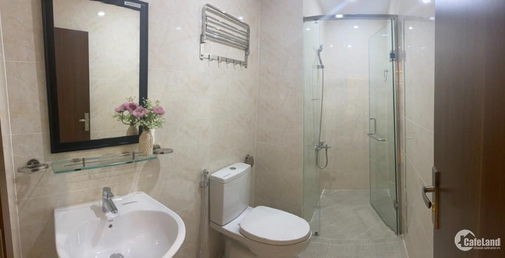Bán căn hộ căn góc 2 phòng ngủ 60m2, nội thất cao cấp, hỗ trợ ngân hàng 70%