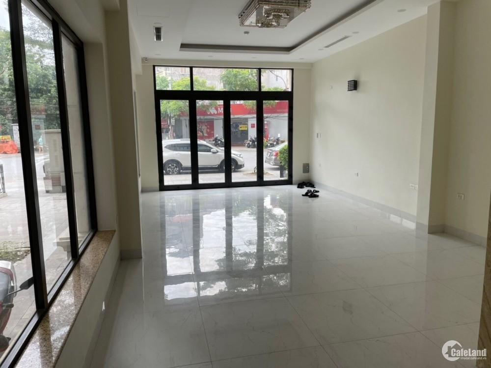 Chính chủ cần bán căn shophouse mặt phố Xuân La 112.5m2 giá 34 tỷ
