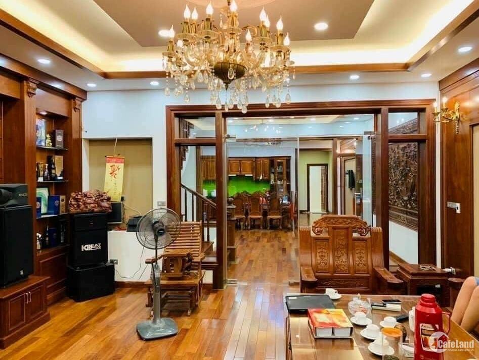 Tôi bán nhà mặt phố Nguyễn Trường Tộ sầm uất gần Hồ Tây 116m2x8T chỉ 64.89 tỷ.