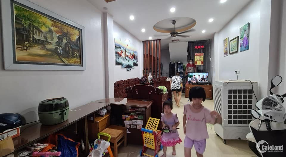 Bán nhà Phạm Văn Đồng, Cầu Giấy, nhà 2 mặt ngõ, ô tô tránh, 45m2 giá 7.3 tỷ