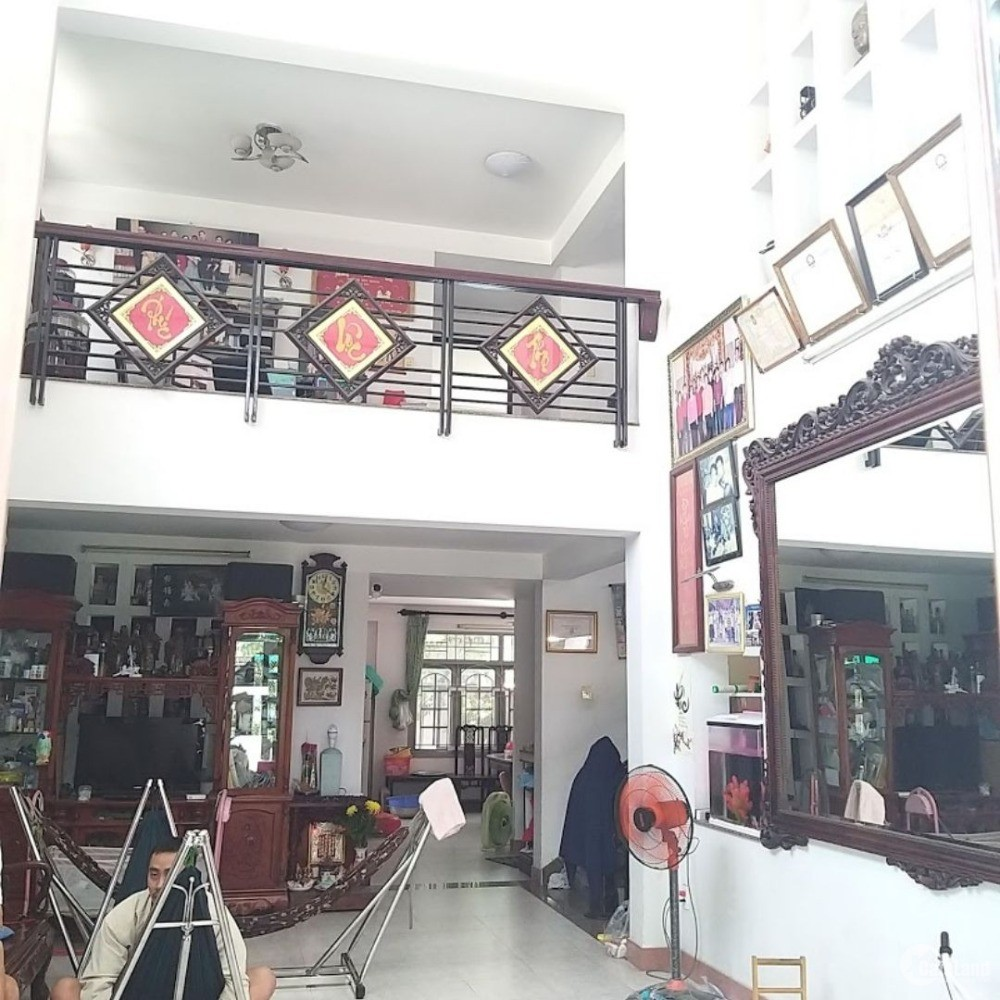 Bán nhà chia tài sản 261m2 Lê Văn Thịnh Q2 giá chỉ 20 tỷ còn thương