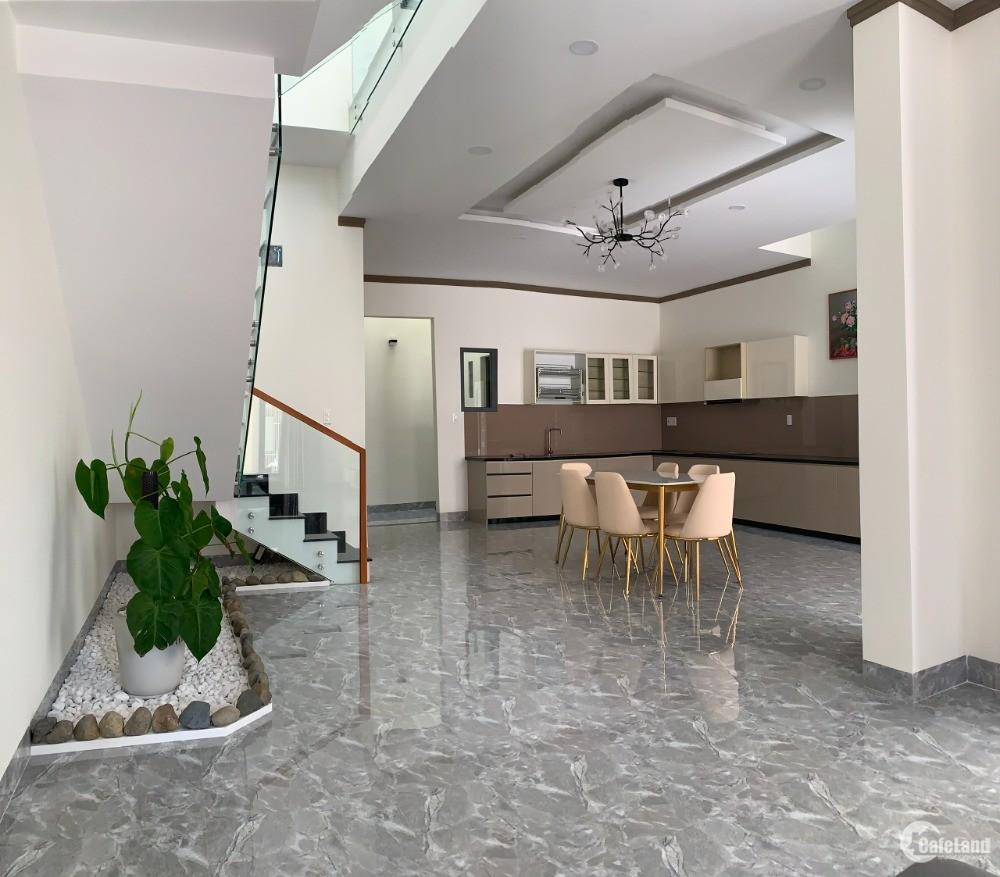 Bán nhà mới xây, đẹp mê ly, MT Cao Bá Quát sau chợ Phan Chu Trinh. Nở hậu.