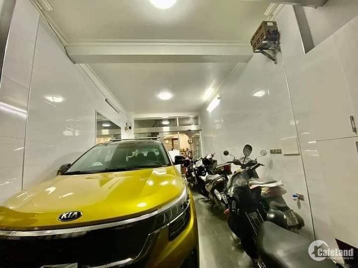 Nhà phân lô Trần Quốc Hoàn, Cầu Giấy vỉa hè - ôtô - văn phòng, 40m2x8T, 8.8 tỷ.