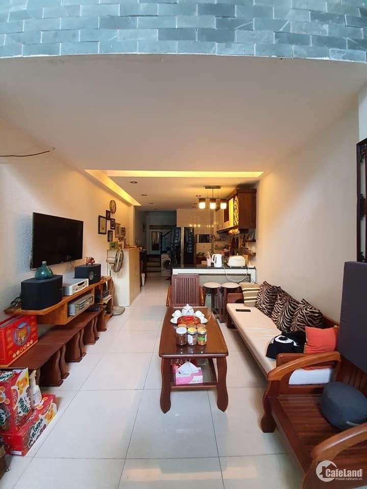 Nhà Quận 10 - 7 tỷ, đường Nguyễn Tri Phương, 4 tầng, Hẻm xe hơi.