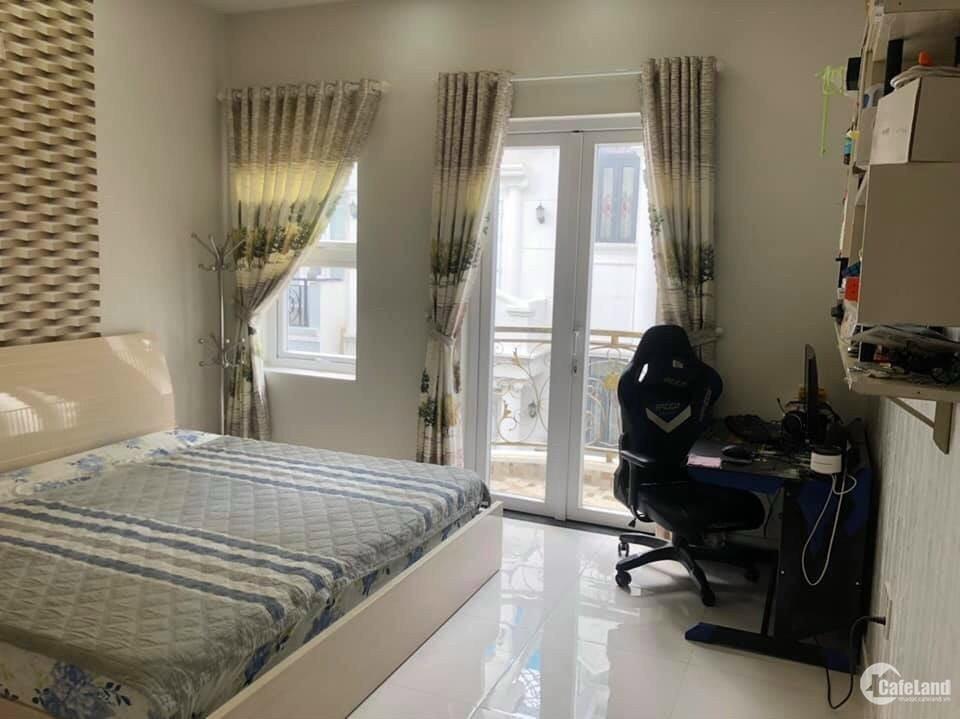 Chỉ 130tr.m2. Gấp bán nhà HXH Nguyễn Đình Chiểu Quận 3, 52m2, nhà nở hậu.