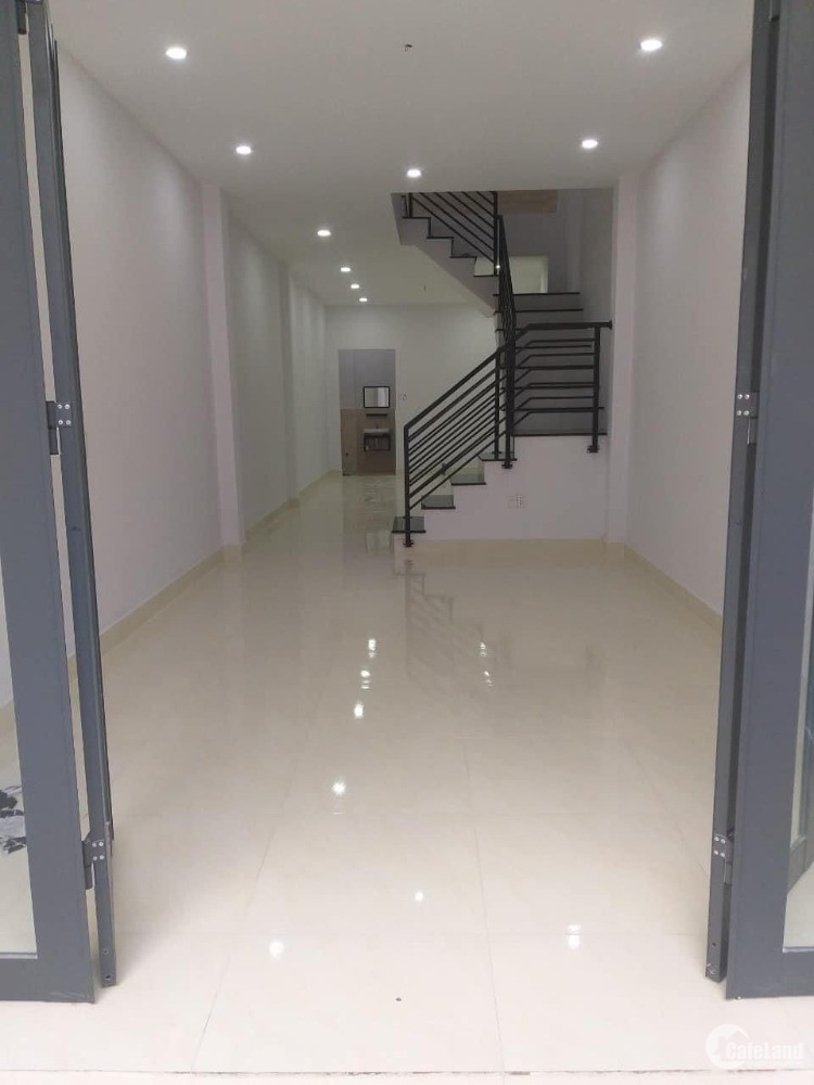 Bán nhà quận Tân Bình – 70m2 – 3 tầng - Lô góc – HXH – Giá 7 tỷ 3