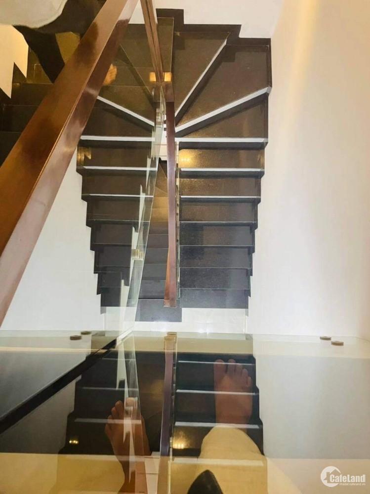 Nhà 4 tầng ngay Aeon Tân Phú, 50m2, hẻm 6m, khu phân lô, nhà đẹp, giá rẻ.