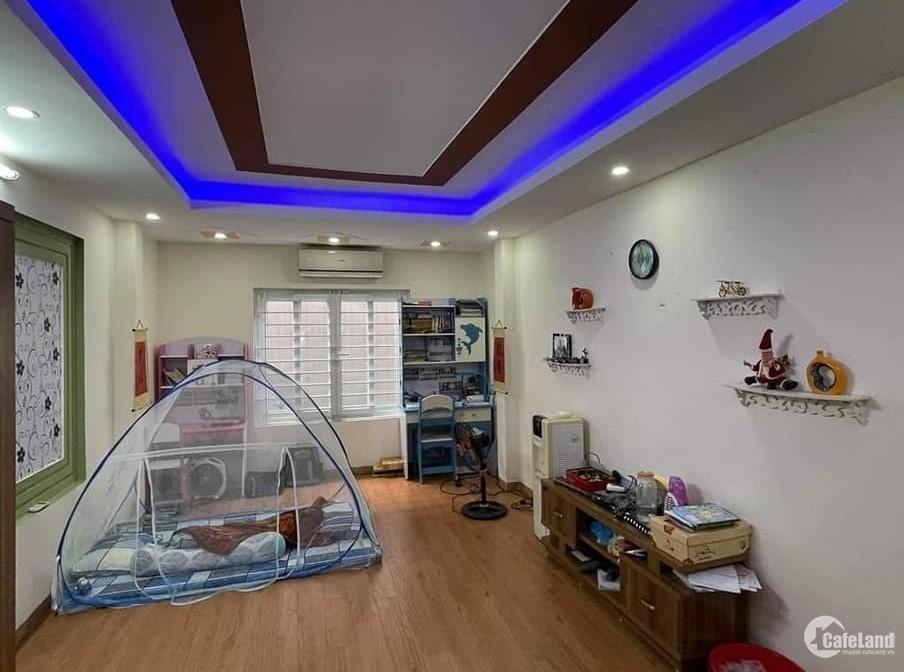Chủ nhà cần tiền bán gấp nhà Xuân Đỉnh 36m2, gần oto, nội thất xịn, 3.7tỷ