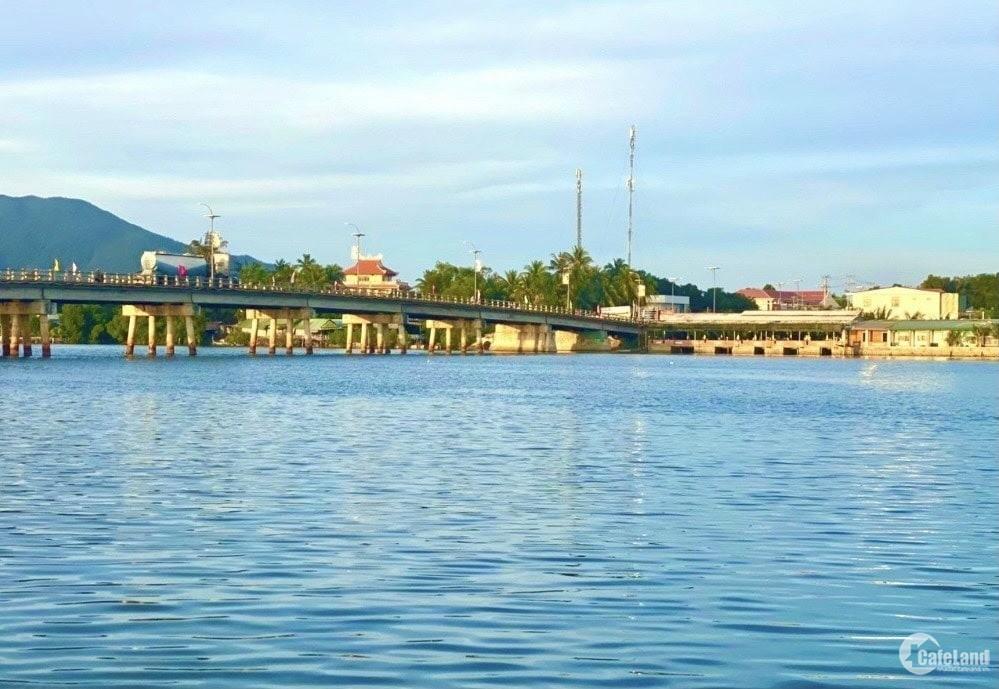 Bán đất view Đầm Thủy Triều có thổ cư 2 mặt tiền đường Cam Hải Đông - Cam Lâm