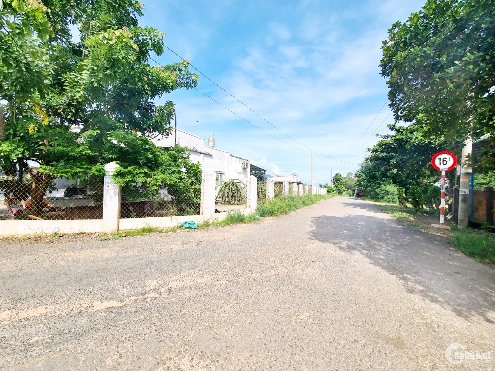 Đất 3 MT Đường 12m, 2,2 Hecta, 3Tỷ, Hàm Tân, Bình Thuận - 0933644449