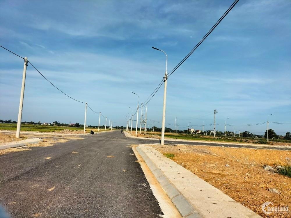 Bán nhanh lô đất nằm ngay mặt đường Thanh Niên đi Sầm Sơn.