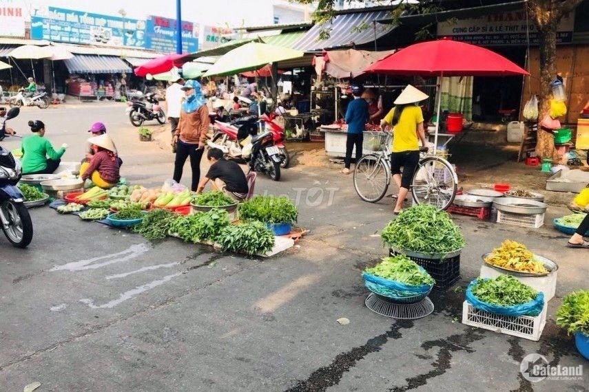 Bán đất ngay chợ Vĩnh Tân DT 70m2 tc100%