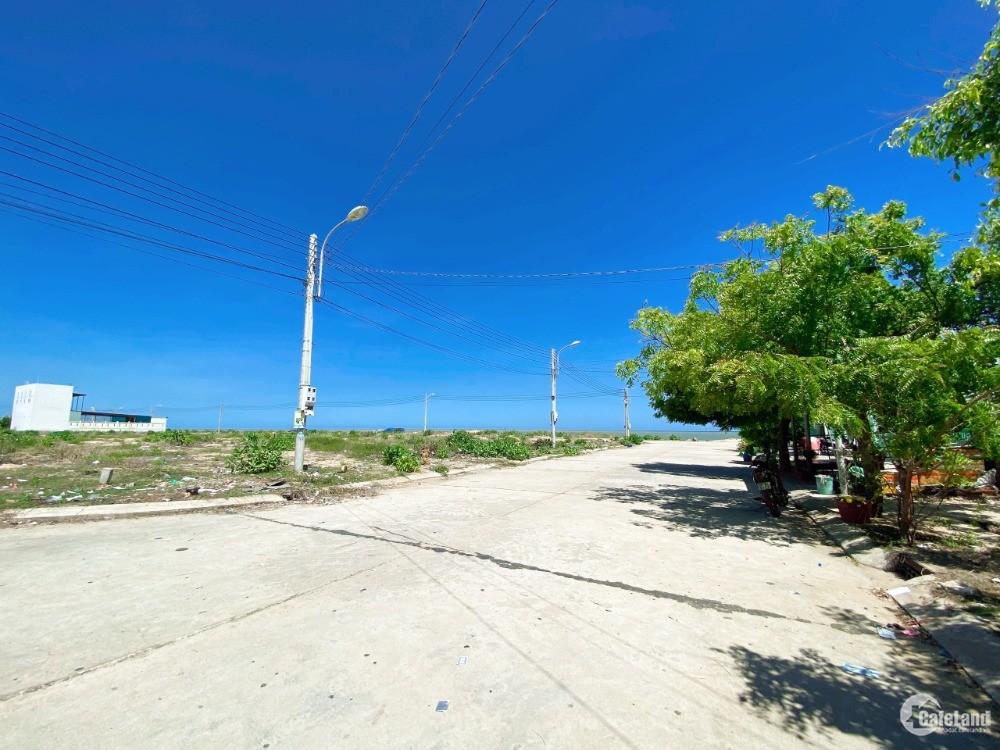Đất nền khu du lịch Mũi Né - Phan Thiết, sổ đỏ lâu dài, view biển giá 1,7 tỷ.