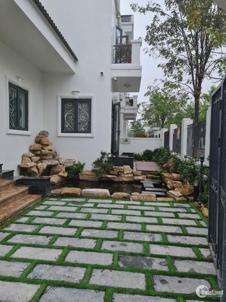 Cần bán căn biệt thự mặt đường Lý Nam Đế , Vĩnh Yên . view hồ .