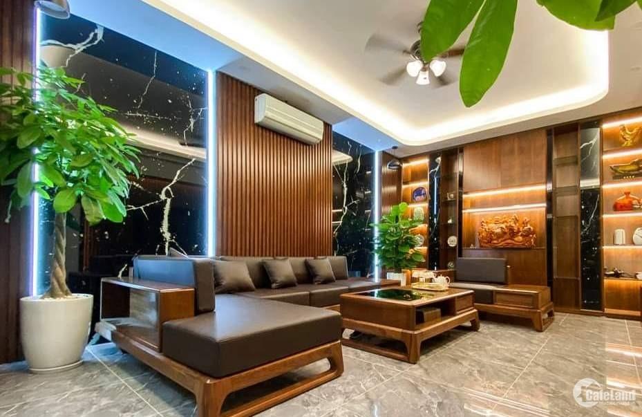 Tôi bán nhà mặt phố Hàng Giấy gần chợ Đồng Xuân, MT rộng 116m2 chỉ 38.68 tỷ.