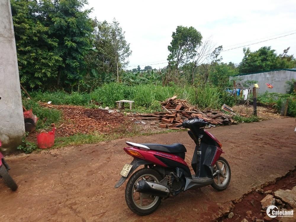 Cần bán gấp lô đất 2MT hẻm Hùng Vương, TP Buôn Ma Thuột. Cách Trần Quý Cáp 300m